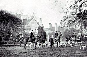 The Rufford Hunt at Beesthorpe Hall, c.1910.