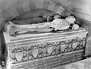 Tomb of Sir Robert Goushill and his wife.