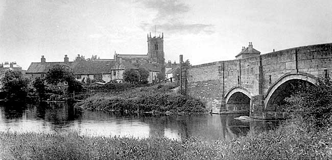 Mattersey village and bridge over the River Idle.