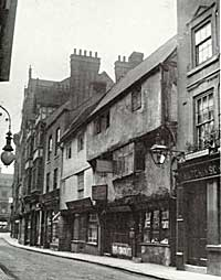 Ancient buildings on Bridlesmith Gate in the early 20th century.