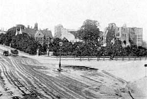 Newark Castle and the Great Cross Roads (The Fossway is seen to left of the picture, the Great North Road to right).